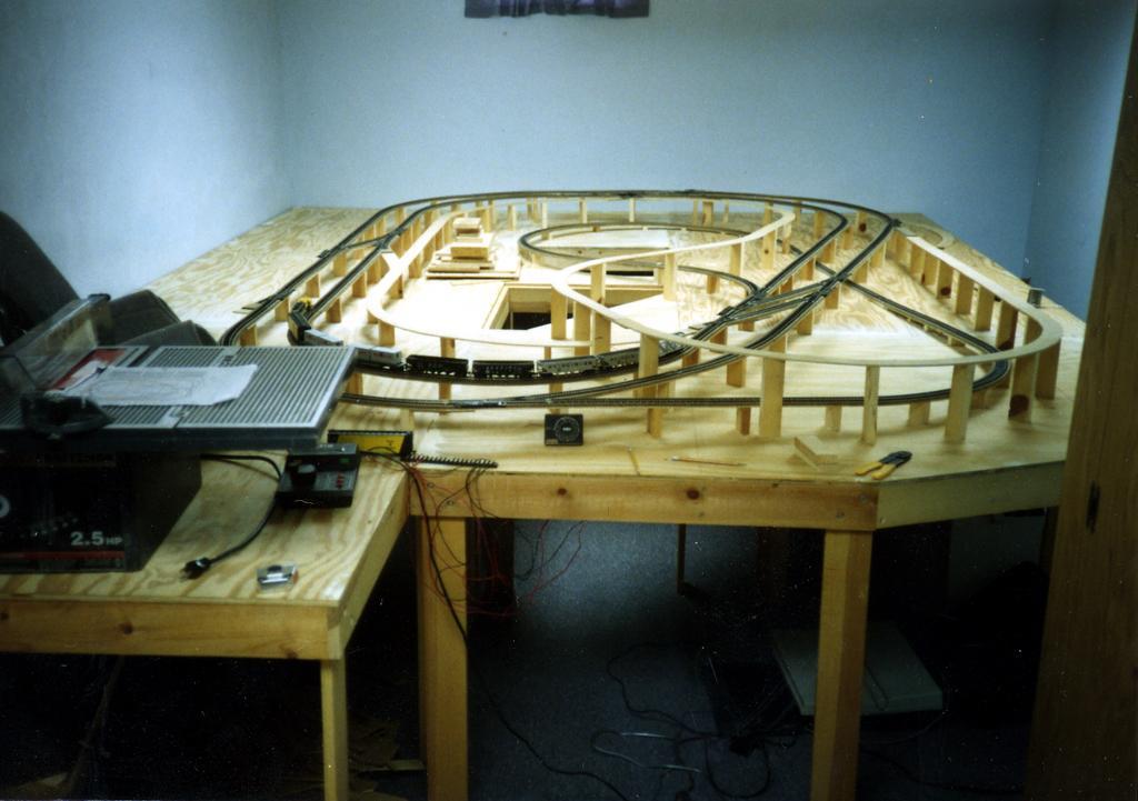 John combs alaska railroad ho layout