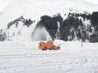 Snowblower (throwing snow)