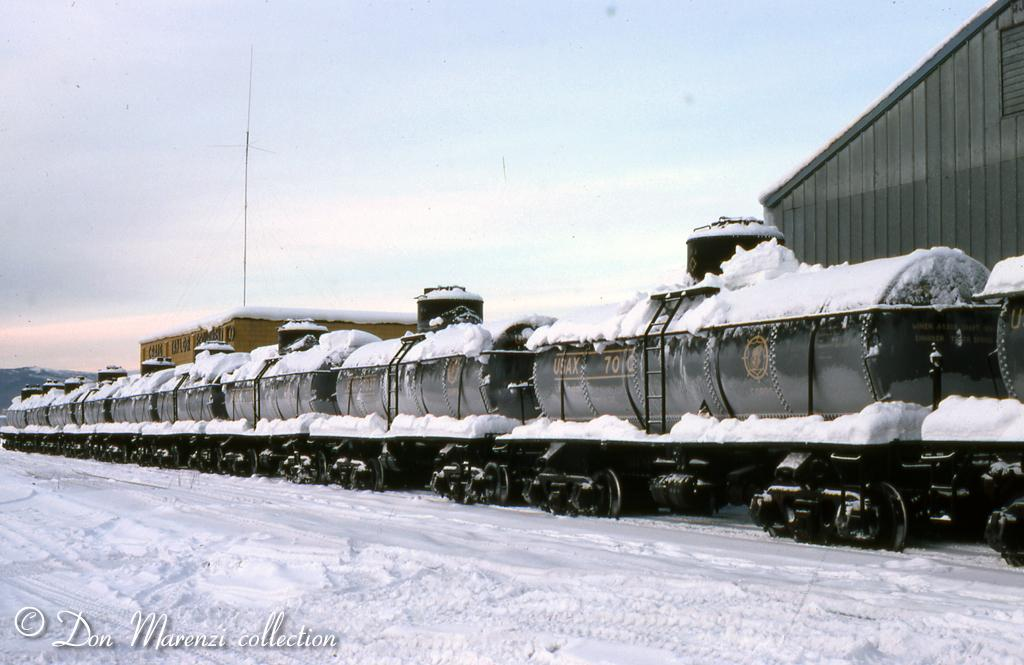 army tanks. USAX (US Army tank cars) in